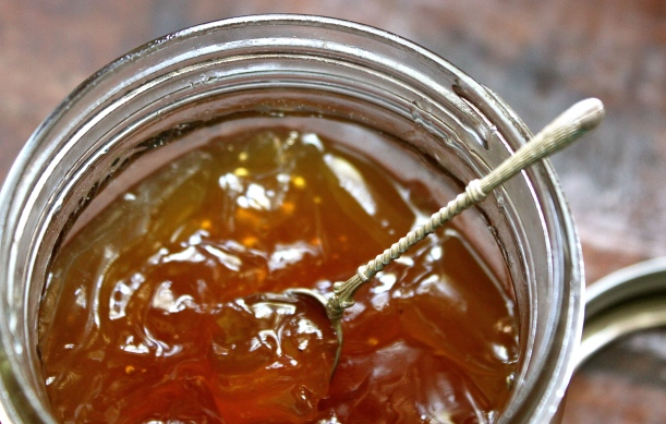 Marula Jelly: delicious with grilled meats, with soft cheeses, or warm toast and butter.
